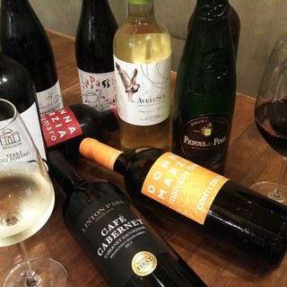 ソムリエ厳選30種類以上のワインをご用意しております。