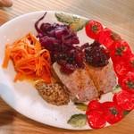ムッカリーナ,  - 仏産の鴨肉とドライフルーツのパテ