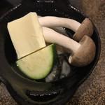 韓食菜炎 ヨンドン - 牡蠣とキノコのバター焼き