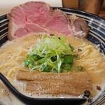 極麺 青二犀 - 「鶏しょうゆらーめん」