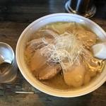 Yataiya - 味が薄く、鳥は素晴らしくパサついています。