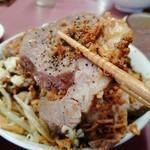 ラーメン荘 おもしろい方へ - 豚(バラ肉)