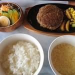 コーヒー&レストラン リーバ - 料理写真:和風ハンバーグランチ