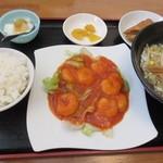 満源 - 料理写真:エビチリ定食