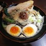 横浜家系ラーメン 大吟豚 - 料理写真:かぶりつきチャーシュー坦々麺850円
