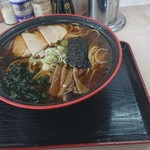 三平ラーメン - 料理写真:しょうゆラーメン680円(税込)大盛 150円(税込)