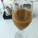 115080851 - ミニトマトとキャロットのジュース