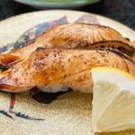すし蔵 - 料理写真:炙りヒラマサスパイシー醤油