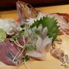居酒屋つくし - 料理写真:かさご,マダコ,シビコ(クロマグロの幼魚)の造り盛り合わせ