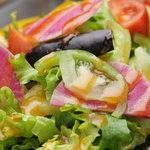 ベジキッチン やまつじ - 八百屋さんの生野菜サラダ  500円