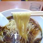 紅華 - 麺は細麺