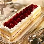 ソマーハウス - 苺のショートケーキ@旬ではない苺でも最近は美味しいですね
