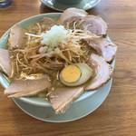 直太郎    - ネギチャーシュー、コッテリ、細麺、なぜか中心ずれた(汗)
