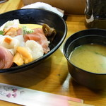 寿し龍 - お味噌汁は貝とのりでした