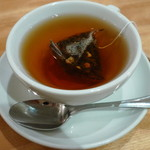 ブーランジェリー ブルディガラ - イチゴの紅茶<今月のスペシャルティー>(ケーキセットでオーダー、2012年2月)
