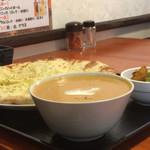 ネパール インド料理店 シーマ - ポークマライカレーのランチセット