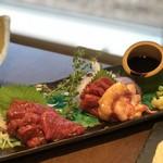 牛タン専門×ユッケ寿司 全席個室居酒屋 うま囲 - 馬刺し