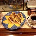 ブラジル - 料理写真:ハンバーグサンド&ブレンドコーヒー