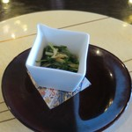 蕎麦 貴賓館 - 水菜と油揚の煮浸し