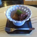蕎麦 貴賓館 - きな粉と抹茶の蕨餅