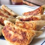 王来軒 - 生姜かな?!そんな感じの味わい餃子。