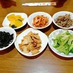 韓国料理 居酒屋 金ちゃん - 料理写真: