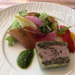 SAVOR - 鴨のプレッセと福井ポークの自家製ハム 夏野菜のピクルス添え