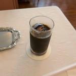 カフェ&レストラン ベーシック - アイスコーヒー
