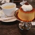 サーティーンカフェ - ホットコーヒー、鶏卵プリン