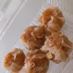 龍福 豚まん専門店 - 料理写真:シュウマイ