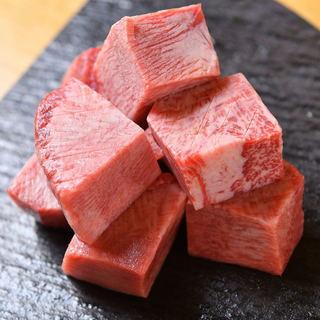 直送の選び抜かれた新鮮牛タンをまるごと食すなら当店で!