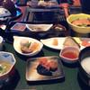 深山桜庵 - 料理写真:朝食コース 中央奥が朴葉味噌です