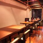 博多餃子舎603 ZA IMAIZUMI - テーブル席