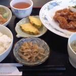 11518996 - 酢豚定食(735円)