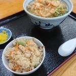 きたのうどん - 料理写真:かやくめし(小)と天ぷらうどん(小えび)