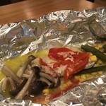 115180913 - 彩り野菜と白身魚のホイル焼き