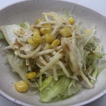 インディアン - 何気に美味しい 自家製ドレッシングのサラダ