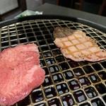 板前焼肉 赤と霜 - 生タン