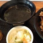 韓丼 - スープおしんこセット 140円は割高