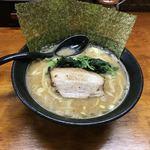 横浜家系らーめん - 料理写真: