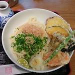 讃岐うどん薫 - 野菜天ぶっかけ(温)