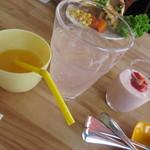 LOCHE MARKET STORE  - オレンジジュース・デザート他