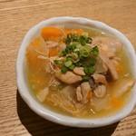 素揚げ酒場 パリパリ - 鶏塩煮込み380円(税抜)