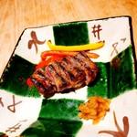 権八 SUSHI - 黒毛和牛の炙り焼き