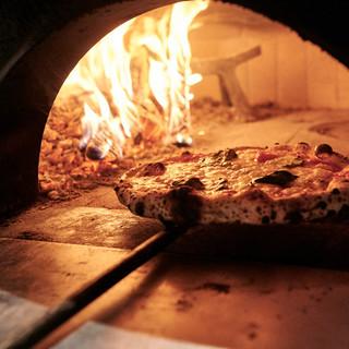 本格石窯ピザの味わいを!