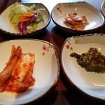 チャムナム家 - 生野菜・韓国おでん・キムチ・何か。