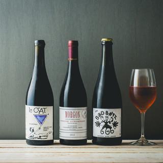 ワインは自然派ワインもグラス1杯から、飲み放題もあります