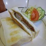 11525904 - 「ハンバーグサンドトースト」ミニサラダ・ドリンク・デザート付¥980