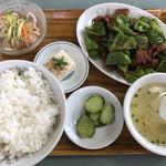 慶山 - 料理写真:本日のランチA ピーマンレバー炒め