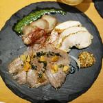 あか牛Dining yoka-yoka - ロースト三種盛り(ビーフ・ポーク・チキン)1,000円。
